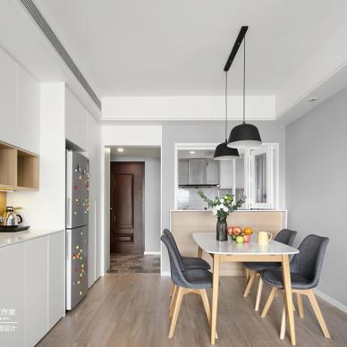 好看的简约风格三居室餐厅设计