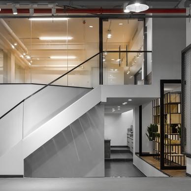 私人订制健身体工作室楼梯设计