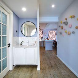 洗手间洗手台镜子图片