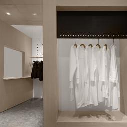 初?白 服装店铺实景设计图