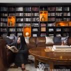 温哥华森林别墅客厅书柜设计