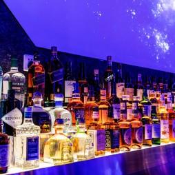 宇宙尽头有个酒吧—酒柜图片