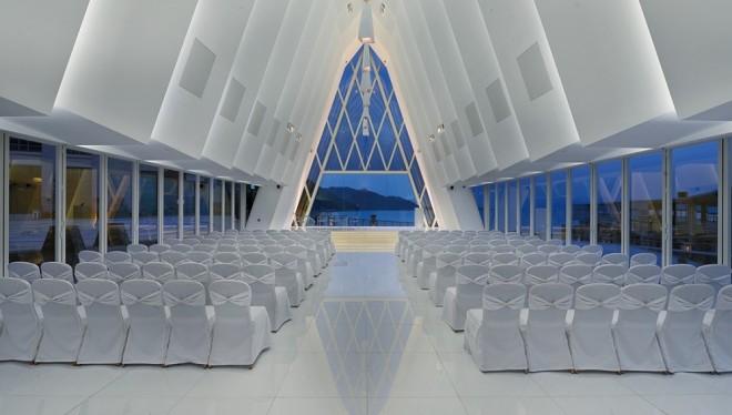 海濱白教堂