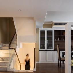 美式田园复式:楼梯图片