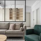 挑高客厅沙发背景墙