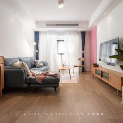 安静的TA,却喜欢色彩丰富的家~_1626597339_4489449